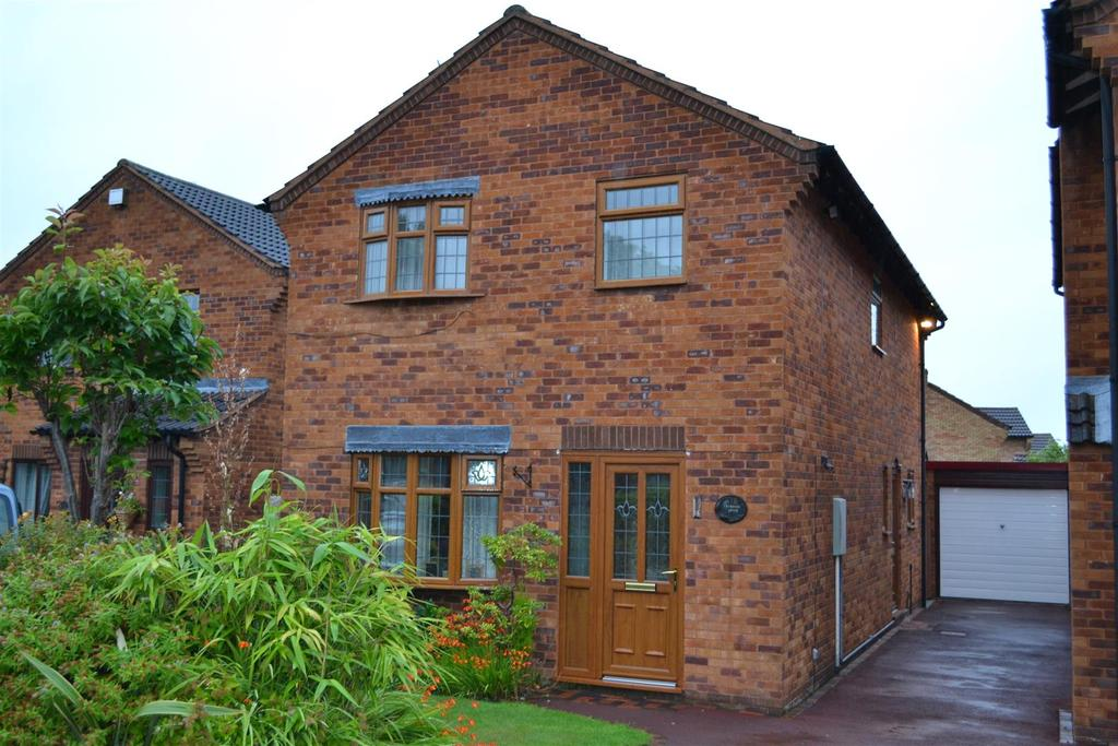 4 Bedrooms House for sale in Parsons Drive, Gnosall, Stafford