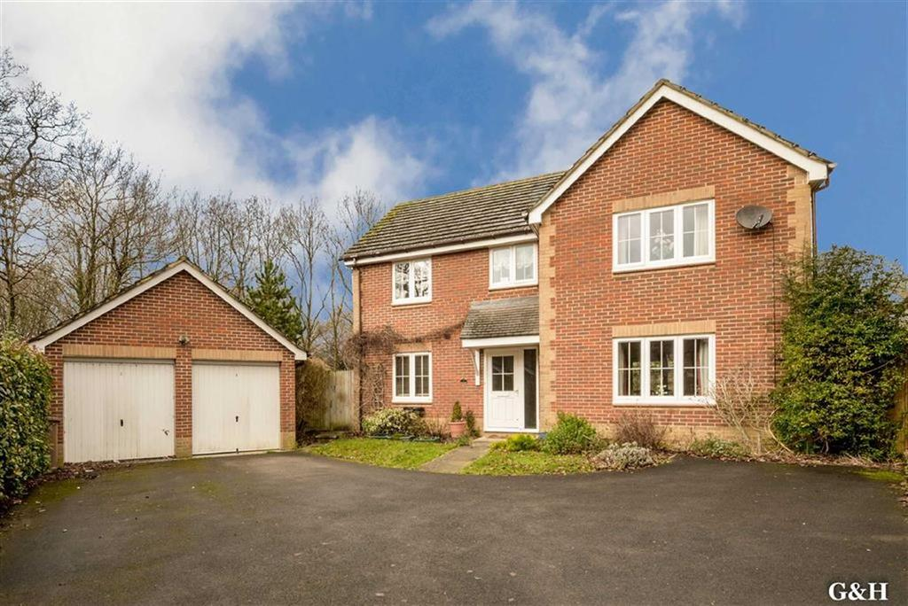 4 Bedrooms Detached House for sale in Butternut Copse, Godinton Park, Ashford