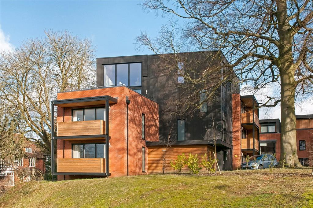 2 Bedrooms Flat for sale in Parkwood Place, Andover Road, Winchester, Hampshire, SO22