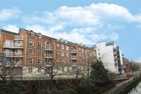 3 bedroom flat for sale - Grantley Heights, Kennet Side, Reading, Berkshire, RG1