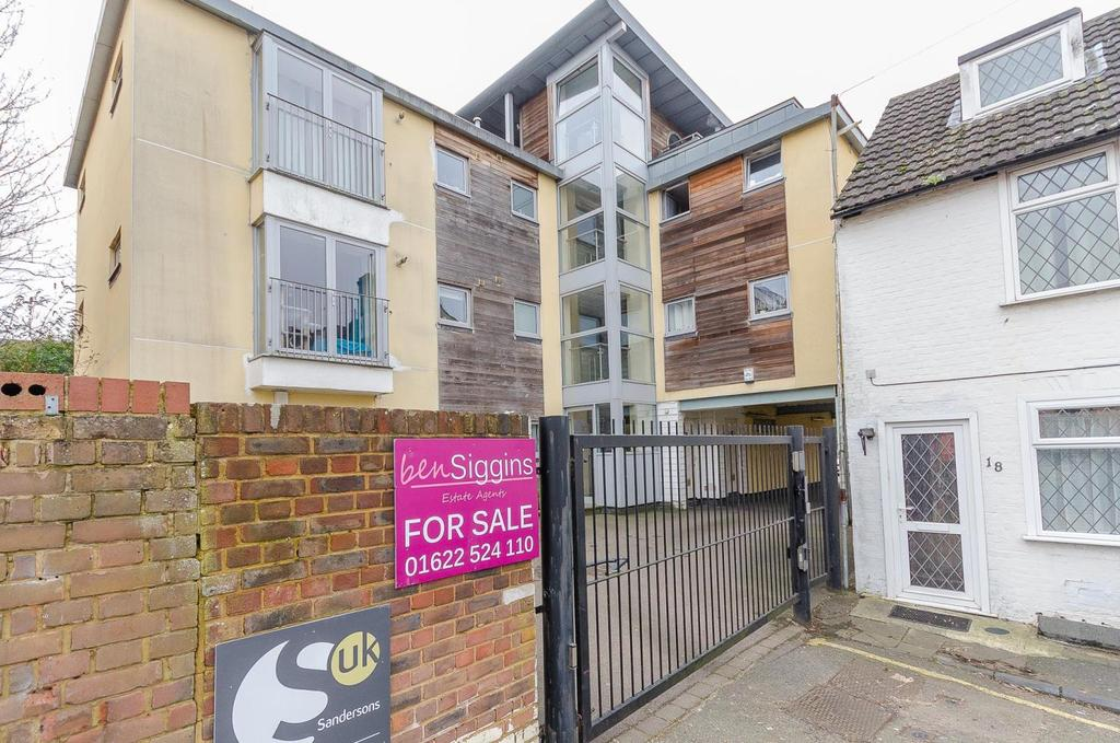 1 Bedroom Ground Flat for sale in Orchard Close, Orchard Street, Maidstone , Kent