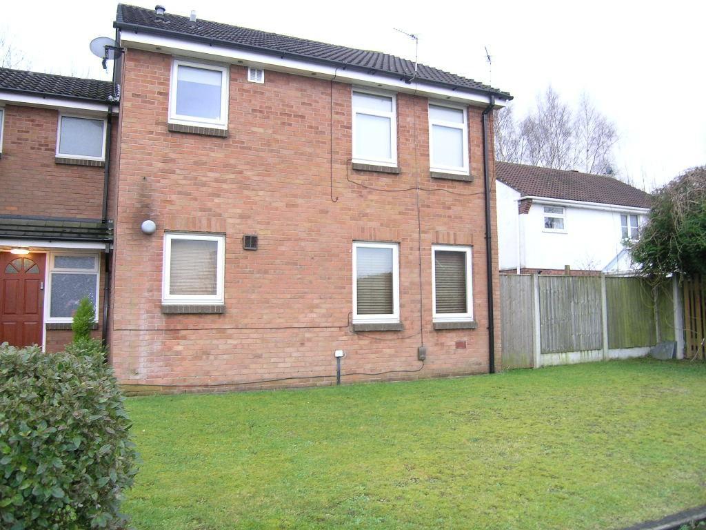 Studio Flat for sale in Kinross Close, Fearnhead, Warrington