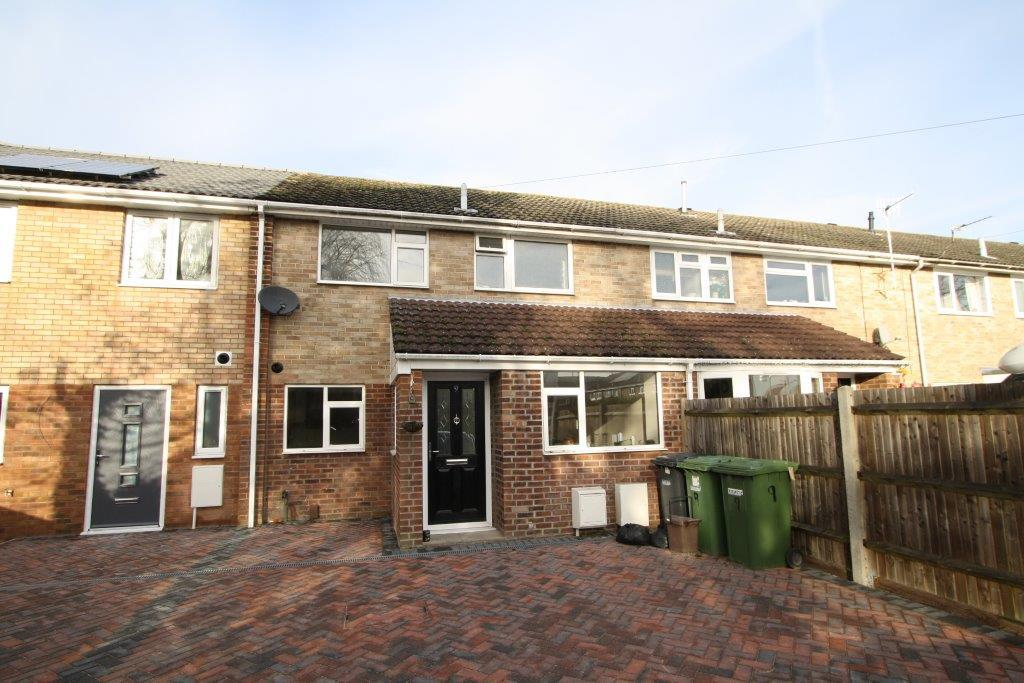 3 Bedrooms Terraced House for rent in Blossom CLose, Botley SO30