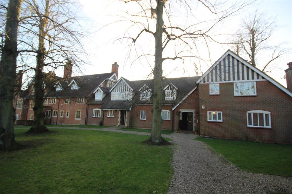3 Bedrooms Apartment Flat for rent in The Gatehouse, Ingatestone