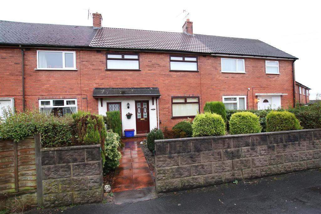 3 Bedrooms Town House for sale in Chell Grove, Bradwell, Newcastle, Staffs