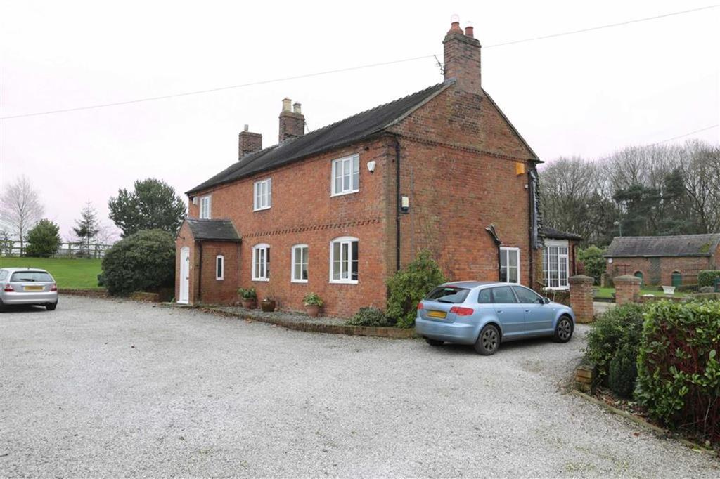 4 Bedrooms Detached House for sale in Crewe Road, Nantwich, Cheshire