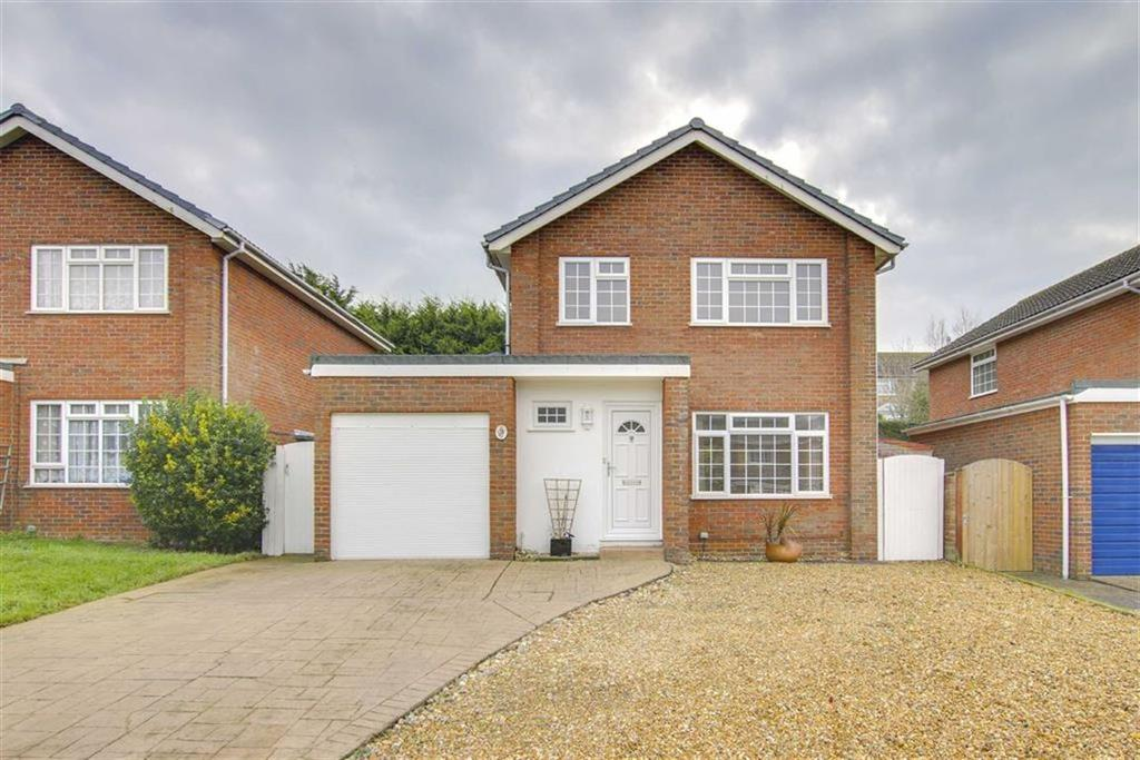 3 Bedrooms Detached House for sale in Princess Drive, Seaford