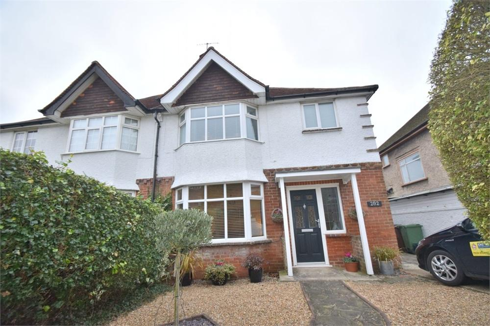 3 Bedrooms Semi Detached House for sale in Victoria Drive, Old Town, East Sussex