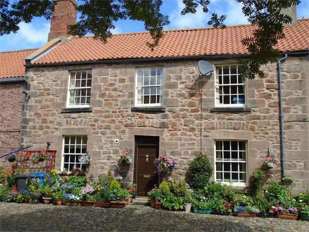 2 Bedrooms Terraced House for sale in Church Street, Berwick upon Tweed