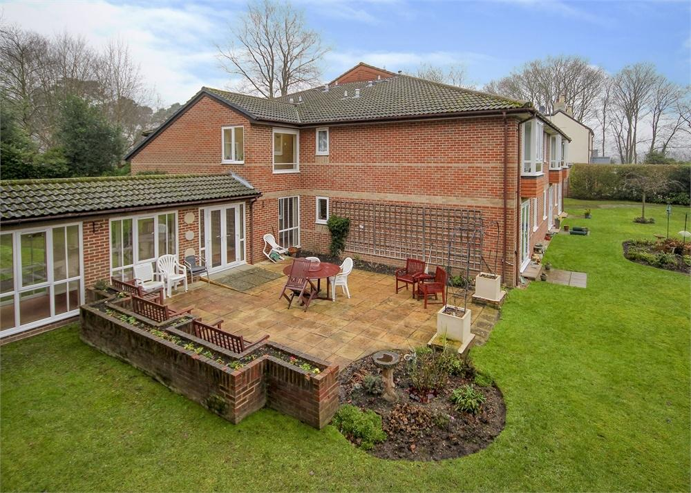1 Bedroom Retirement Property for sale in Oak Lodge, New Road, Crowthorne, Berkshire