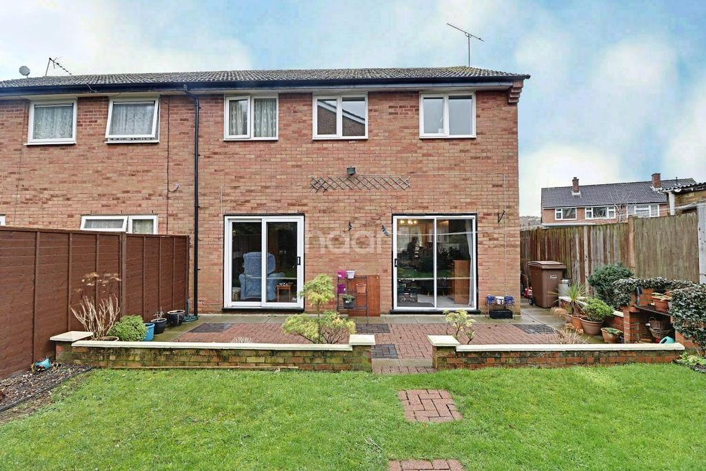 3 Bedrooms Semi Detached House for sale in Clydesdale Road, LU4