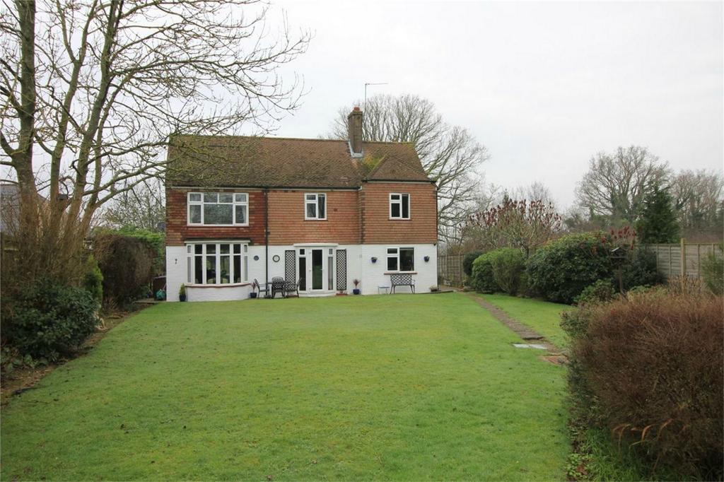 3 Bedrooms Detached House for sale in Whatlington Road, BATTLE, East Sussex