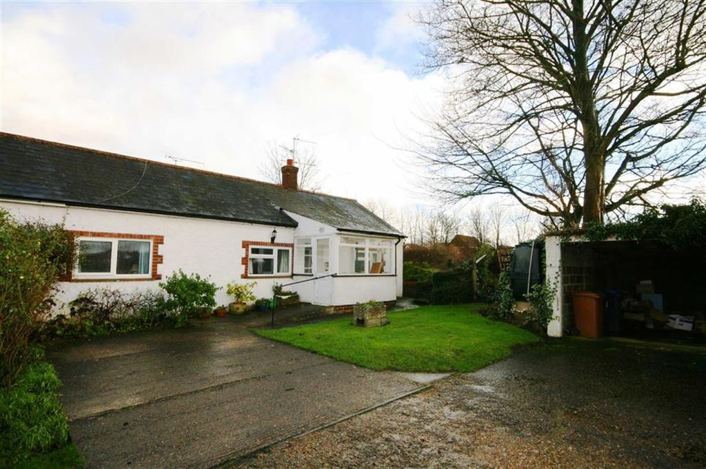 4 Bedrooms Semi Detached Bungalow for sale in Hare Street Road, Buntingford