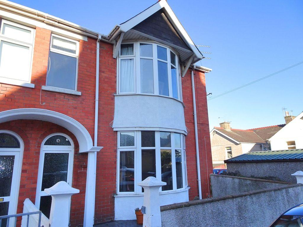 4 Bedrooms House for sale in PARK AVENUE, PORTHCAWL, CF36 3EP
