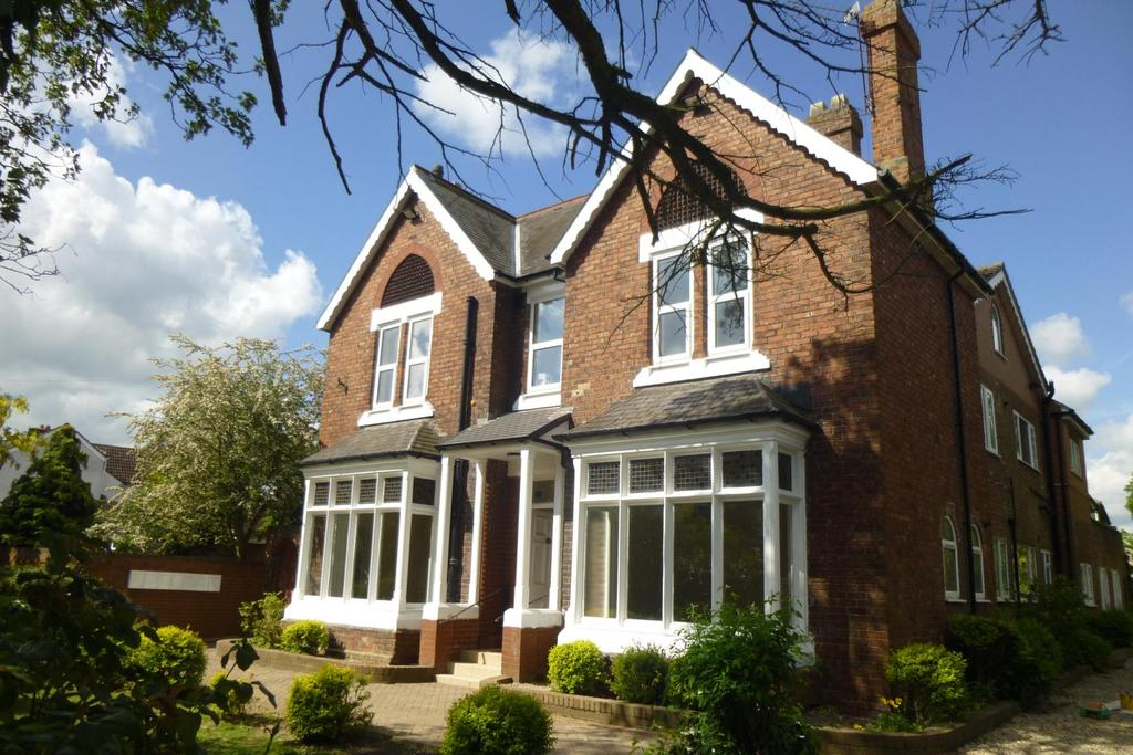 2 Bedrooms Flat for rent in The Avenue, Fairfield