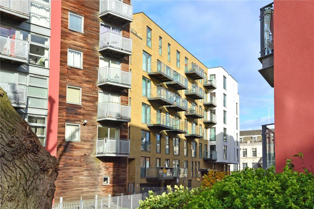 2 Bedrooms Flat for sale in Brooklyn Building, Deals Gateway, Greenwich, London, SE10