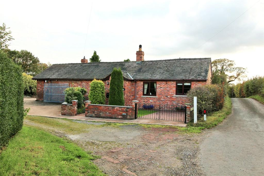 2 Bedrooms Detached Bungalow for sale in Sontley, Wrexham, LL13