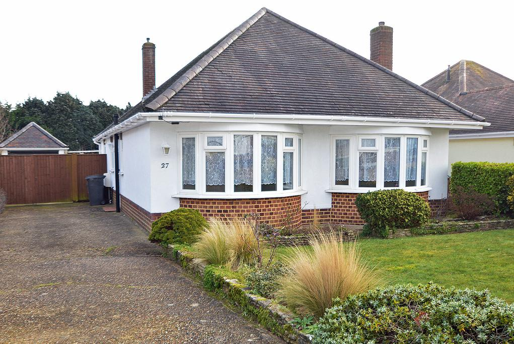 3 Bedrooms Bungalow for sale in Leydene Avenue, Bournemouth, BH8