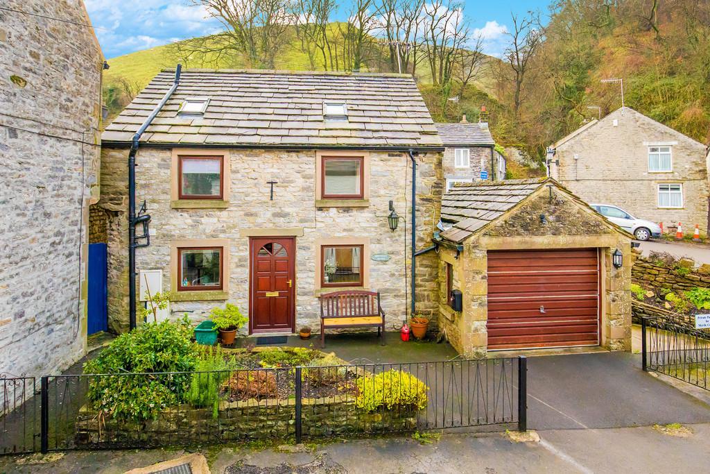 2 Bedrooms Detached House for sale in Market Place, Castleton, Hope Valley