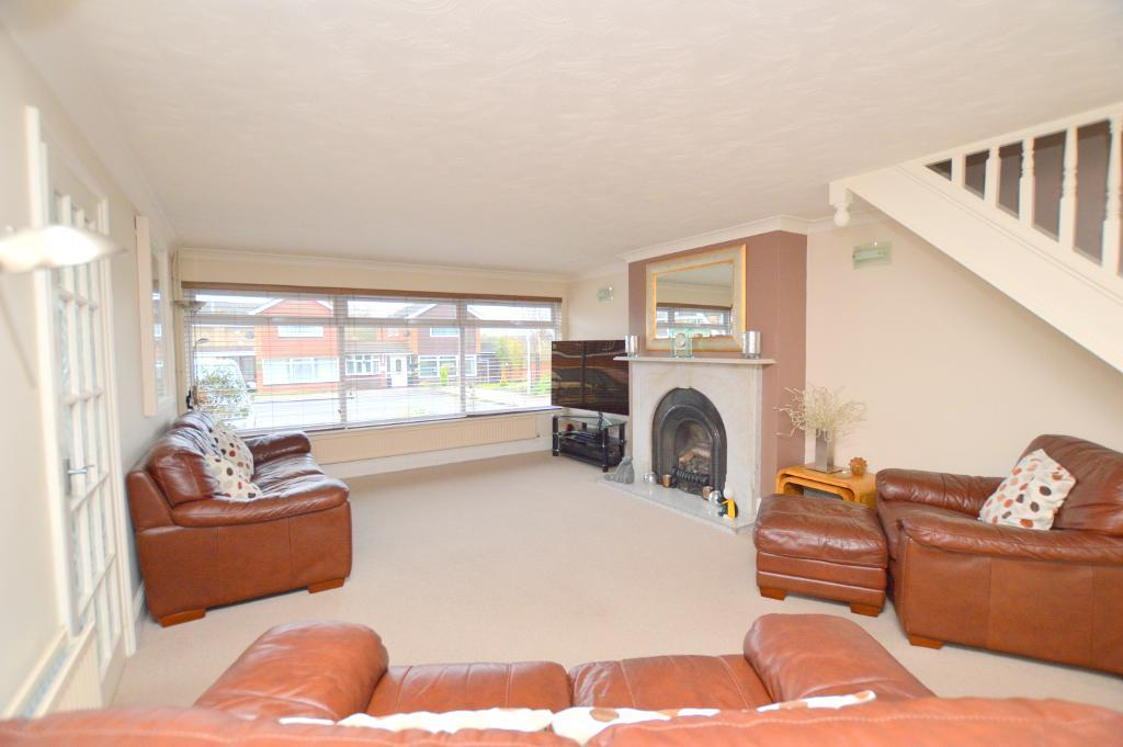 4 Bedrooms Detached House for sale in Turnpike Drive, Luton, Bedfordshire, LU3 3RE