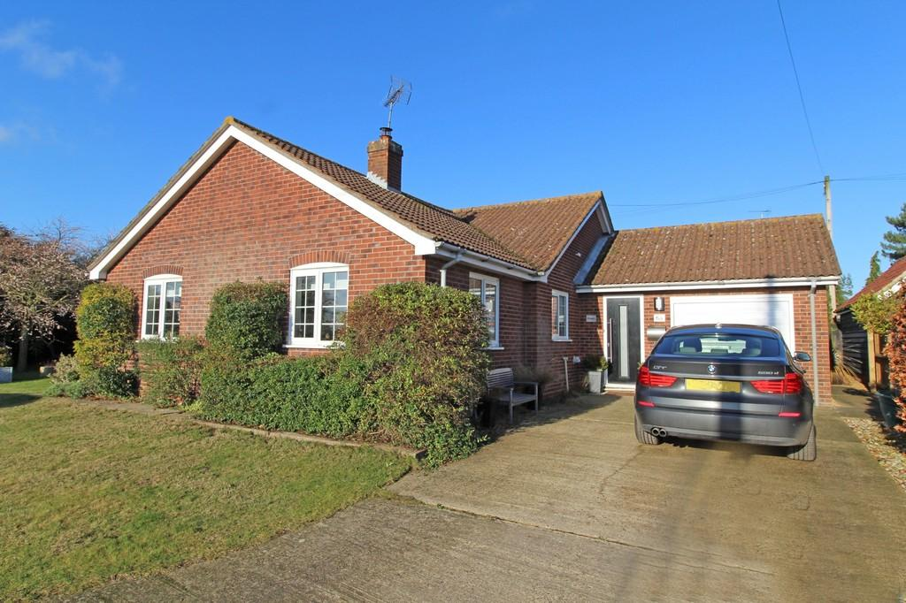 3 Bedrooms Detached Bungalow for sale in Snape, Suffolk