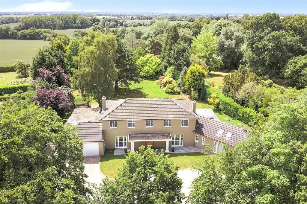 5 Bedrooms Detached House for sale in Fryerning Lane, Ingatestone, Essex, CM4