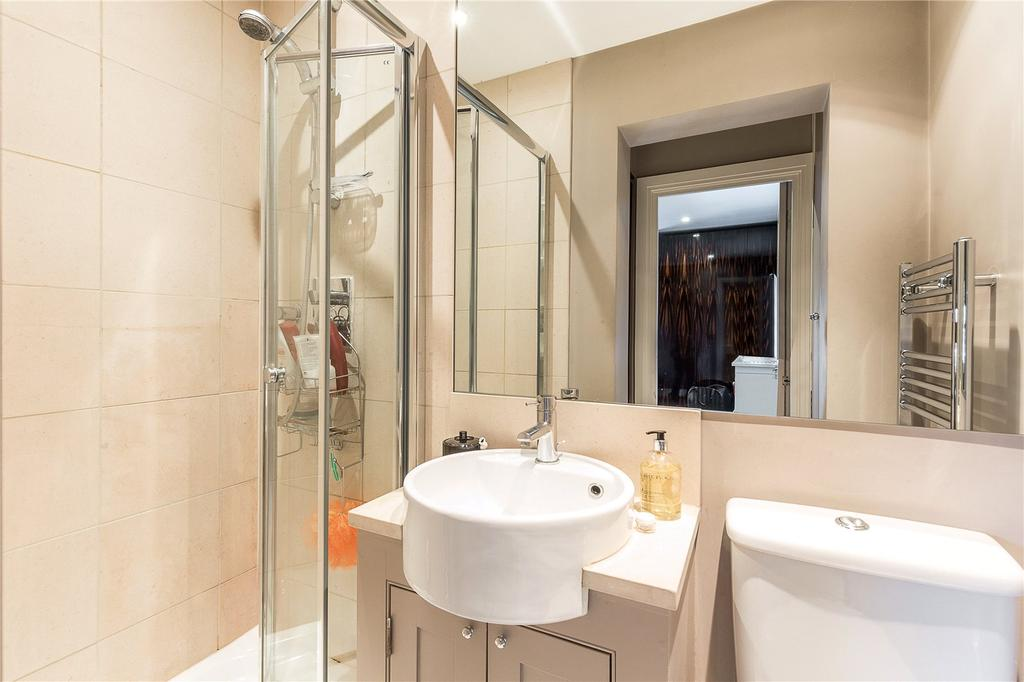 Chiswick high road london w4 2 bed flat for sale 699 950 for W 4 bathrooms chiswick