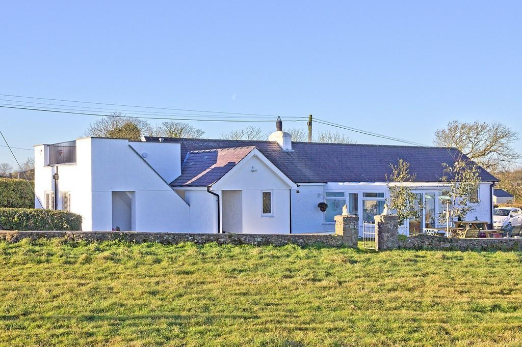 3 Bedrooms Cottage House for sale in Brynsiencyn, Anglesey, North Wales