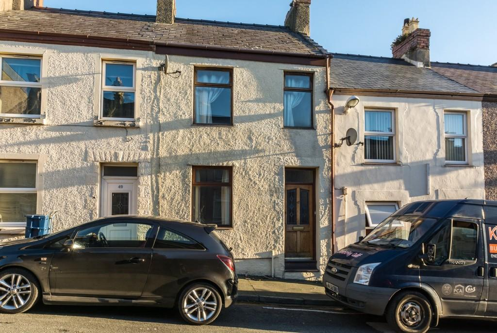 2 Bedrooms Terraced House for sale in Eleanor Street, Caernarfon, North Wales