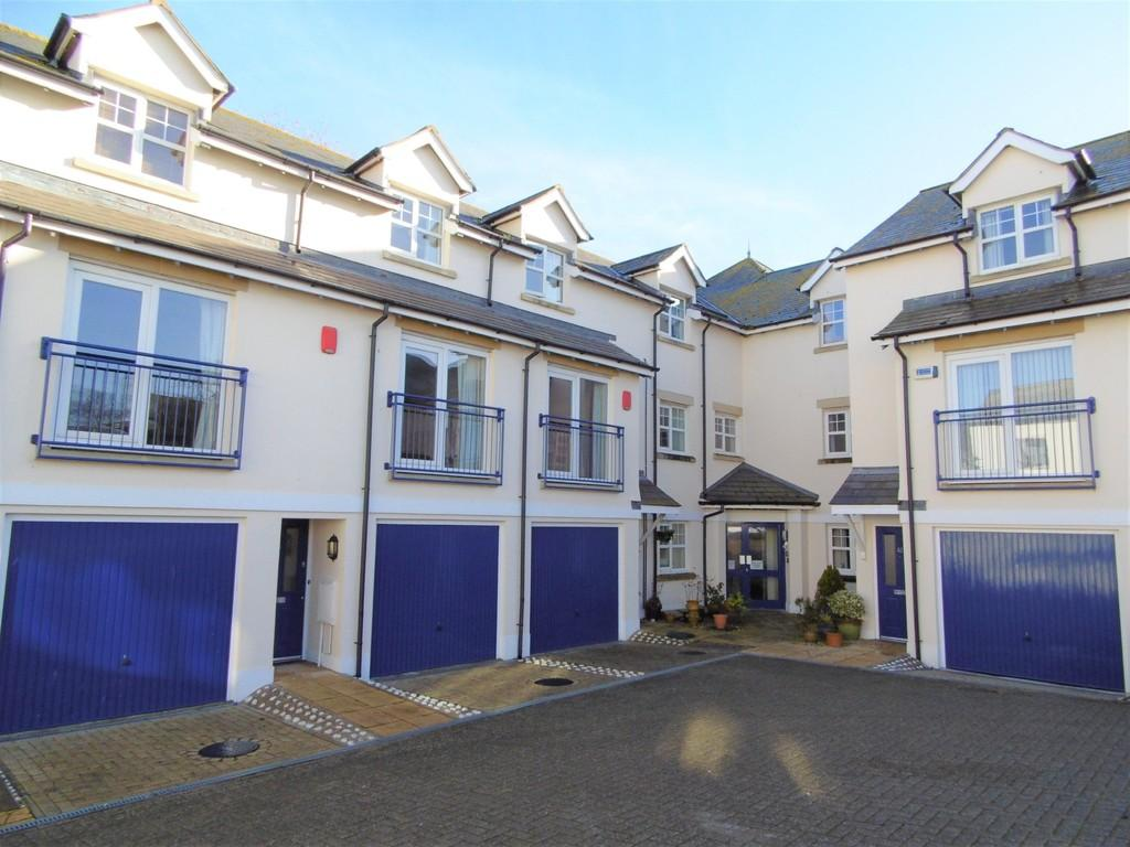 3 Bedrooms Town House for sale in Fleet Court, Seaton