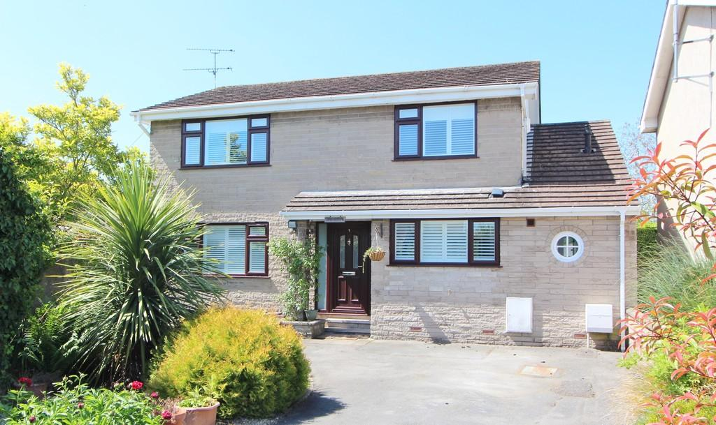 3 Bedrooms Detached House for sale in Central location in Congresbury
