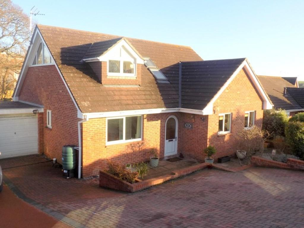 4 Bedrooms Detached House for sale in Douglas Avenue, Exmouth