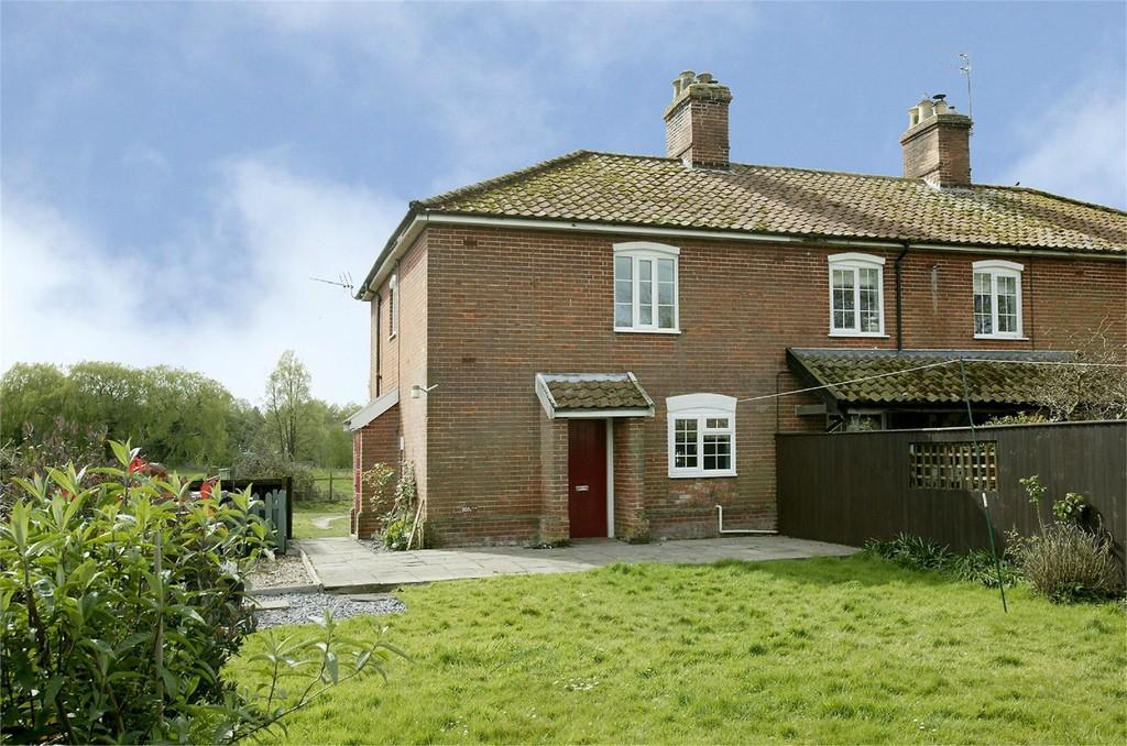 3 Bedrooms End Of Terrace House for rent in Farm Cottage, Wilby, Norwich, Norfolk