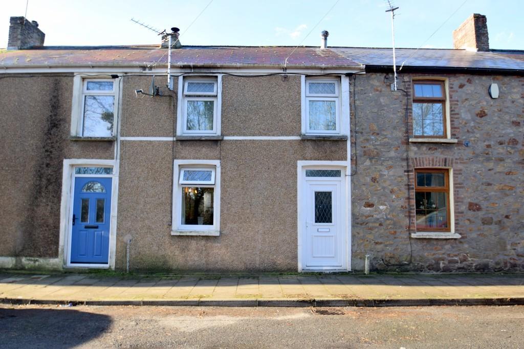 2 Bedrooms Terraced House for sale in 156 Bridgend Road, Aberkenfig, Bridgend, Bridgend County Borough, CF32 9AD.