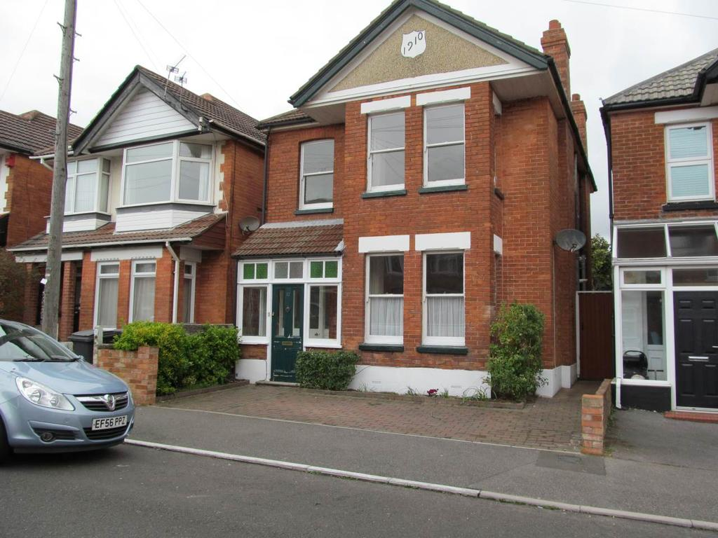 4 Bedrooms Detached House for rent in Hillbrow Road , Southbourne , Bournemouth