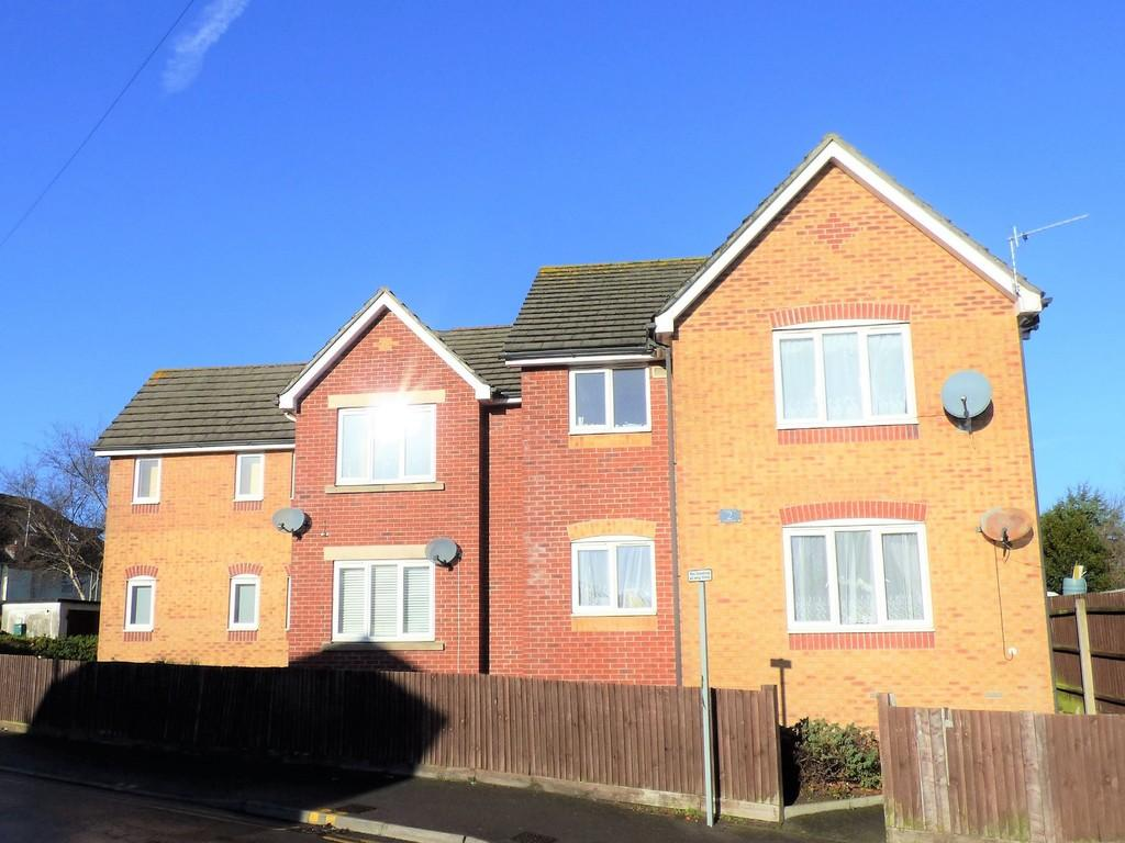 2 Bedrooms Apartment Flat for sale in Captains Cove, 2 Lake Road, Hamworthy