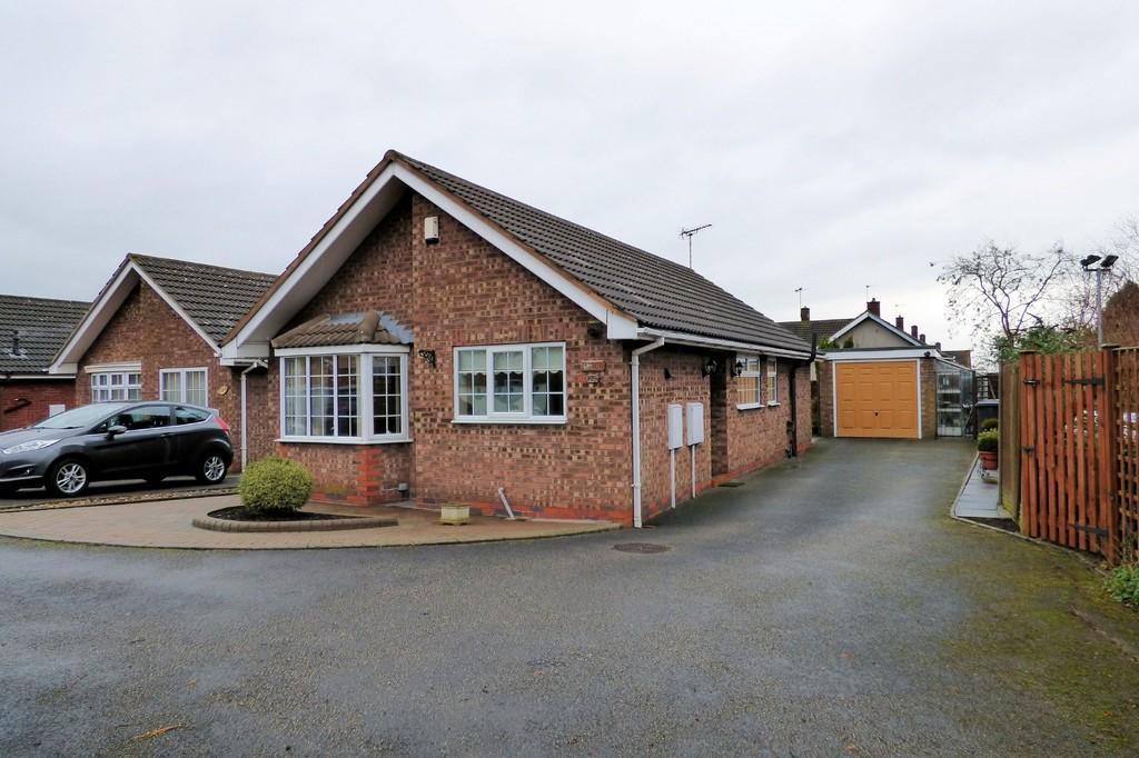 2 Bedrooms Detached Bungalow for sale in Tutbury Road, Burton-on-Trent
