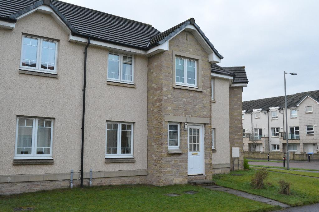 3 Bedrooms Terraced House for sale in McCormack Place, Larbert, Larbert, FK5 4TU