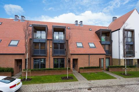 4 bedroom townhouse for sale - Derwent Way, Derwenthorpe, York, YO10