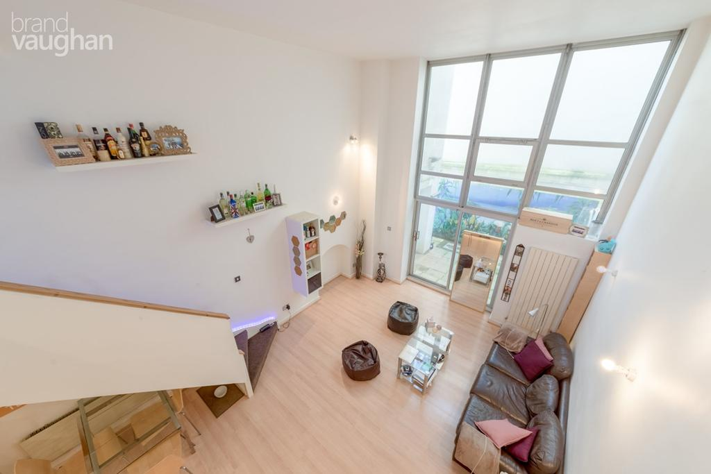 2 Bedrooms Maisonette Flat for sale in Queens Road, Brighton, BN1