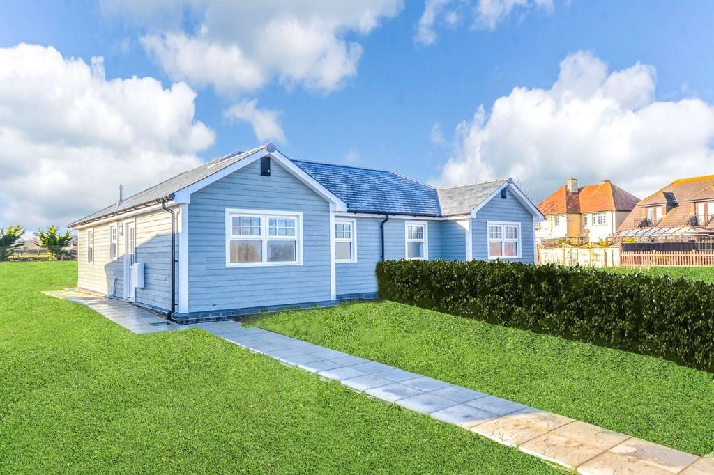 2 Bedrooms Semi Detached Bungalow for sale in Forelands Field Road, Bembridge