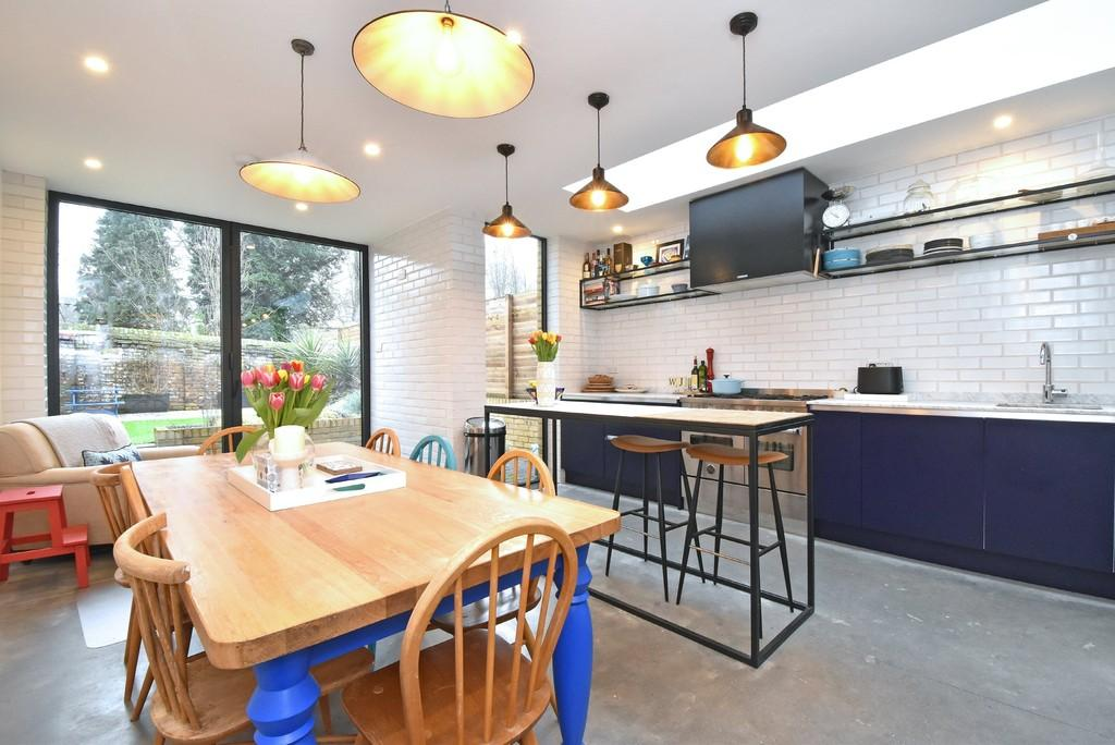 4 Bedrooms Terraced House for rent in Merritt Road SE4