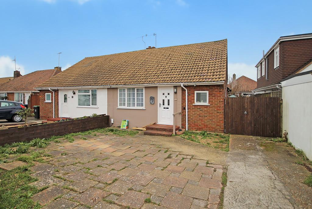 2 Bedrooms Semi Detached Bungalow for sale in Meadow Road, Worthing, BN11 2SG