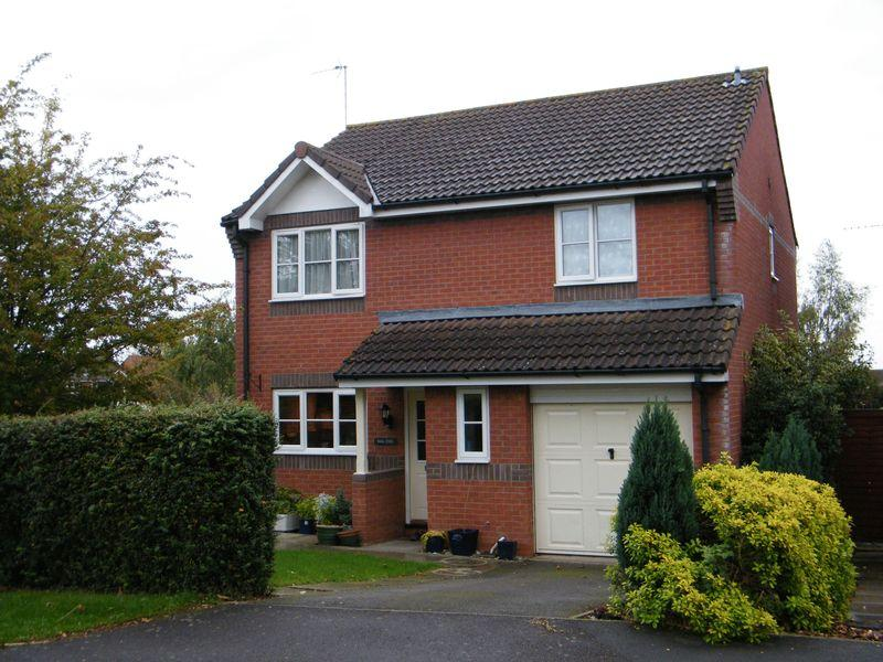 4 Bedrooms Detached House for rent in Blackthorn Close, North Petherton, Bridgwater