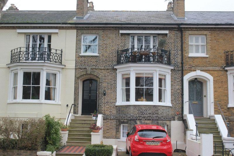 1 Bedroom Apartment Flat for sale in Cambridge Road, Southend-On-Sea