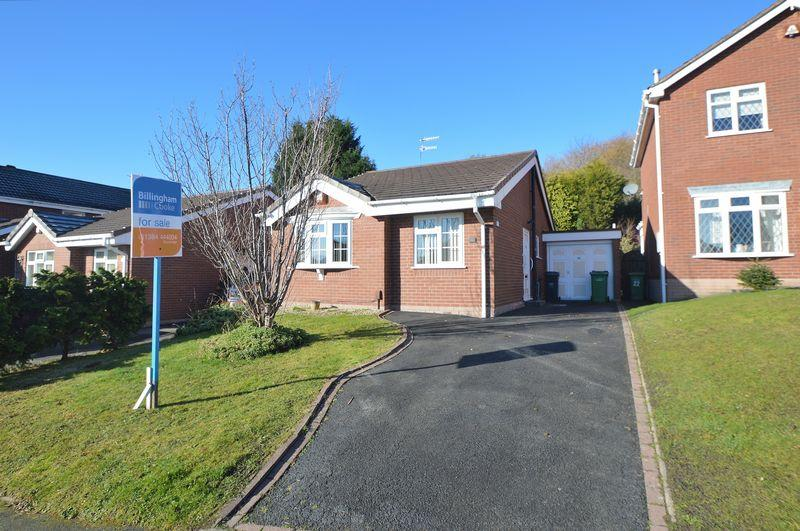 2 Bedrooms Detached Bungalow for sale in Fennel Road, Amblecote, Brierley Hill