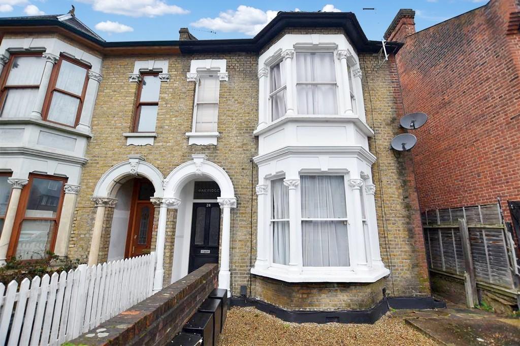 1 Bedroom Flat for sale in Sylvan Road, Wanstead