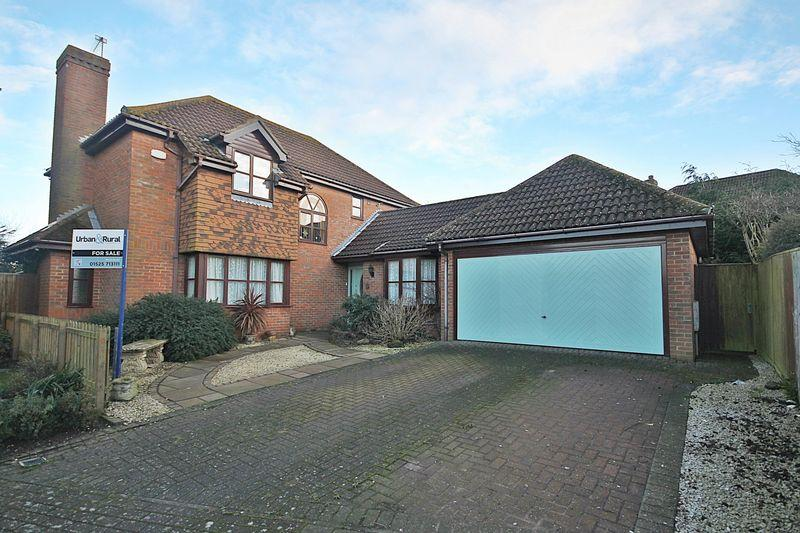 4 Bedrooms Detached House for sale in Beech Close, Pulloxhill