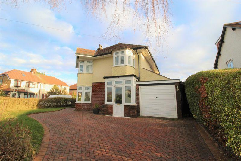 3 Bedrooms Detached House for sale in Elmwood Drive, Heswall