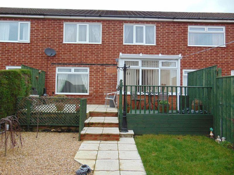 2 Bedrooms Terraced House for sale in Garth Twentyfour, Killingworth, Newcastle Upon Tyne
